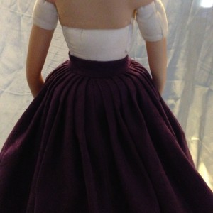 Outer skirt back detail